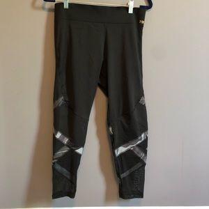 Vs PINK ultimate leggings camo